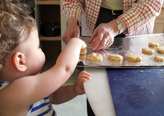 toddler cookie baking