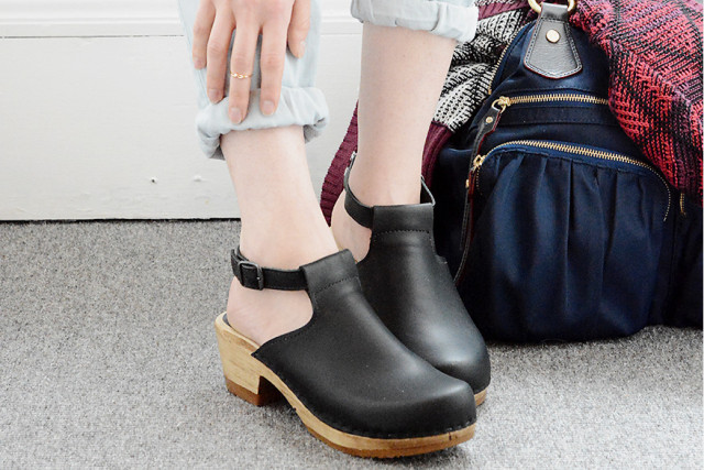 How to wear clogs this fall: Sven clogs on A Girl Named PJ