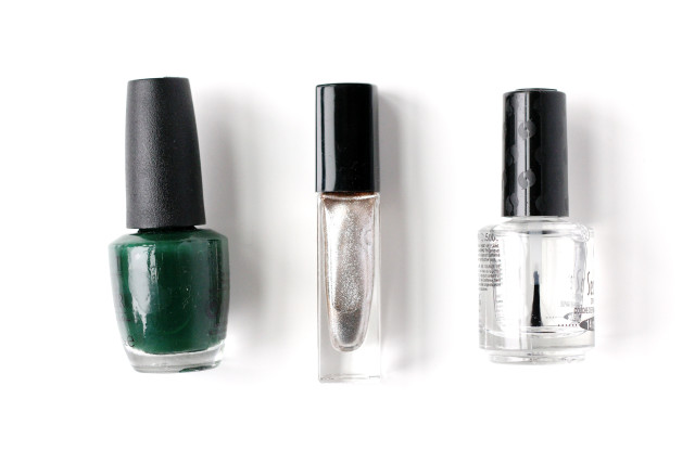 Easy DIY holiday manicure from A Girl Named PJ