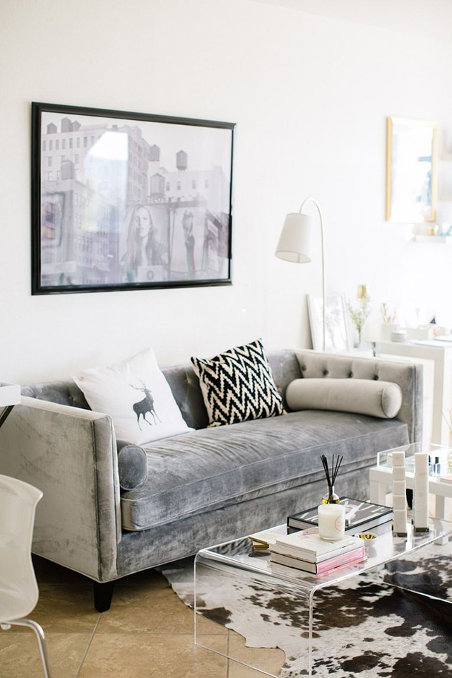 A Girl Named PJ living room inspiration: Clear acrylic coffee tables - Living Room Inspiration: Clear Acrylic Coffee Tables - A Girl Named PJ