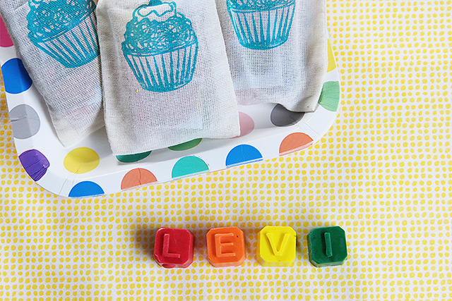 personalized name crayons as birthday party favors - bunnyanddolly.com
