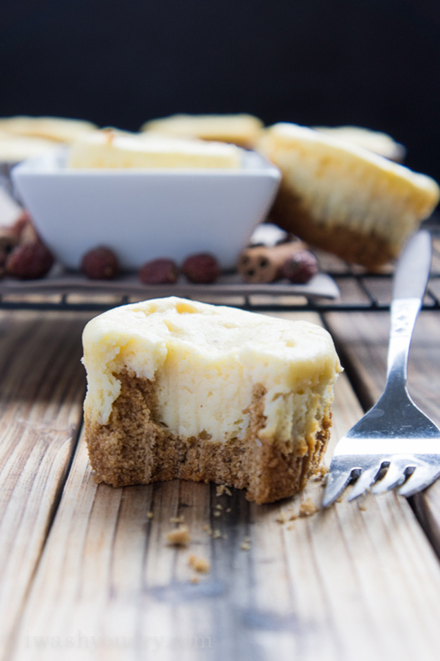 eggnog cheesecake with gingerbread cookie crust