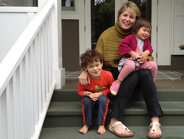Emily Meyer of @teacollection and her kids