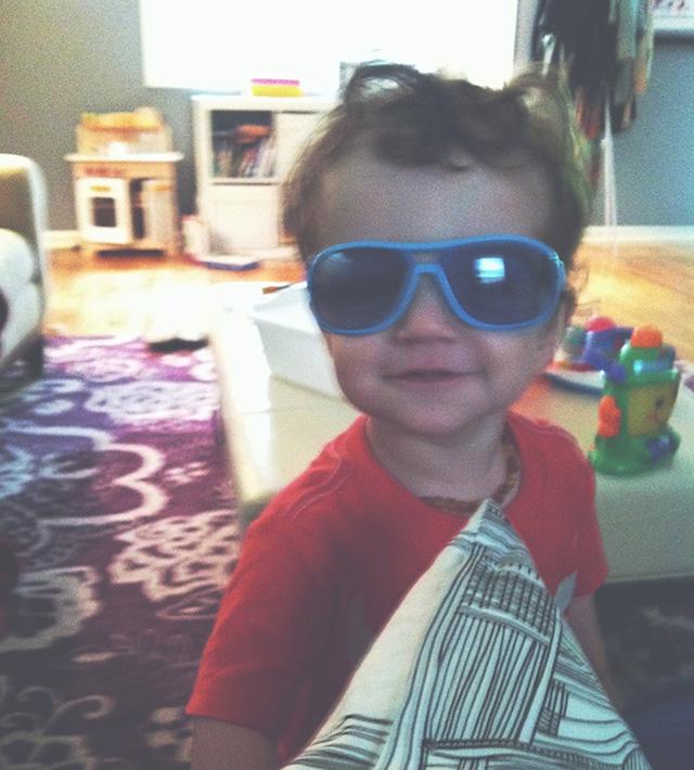 blue sunglasses on www.bunnyanddolly.com