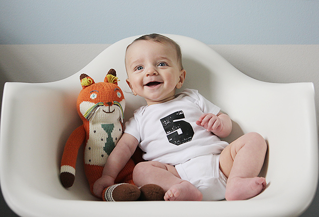 monthly baby photo - five months old