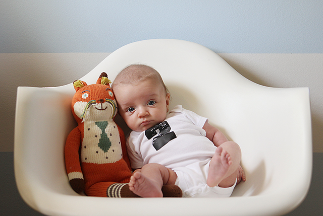 monthly baby photo - two months old