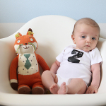 levi's monthly baby photo (two months old)