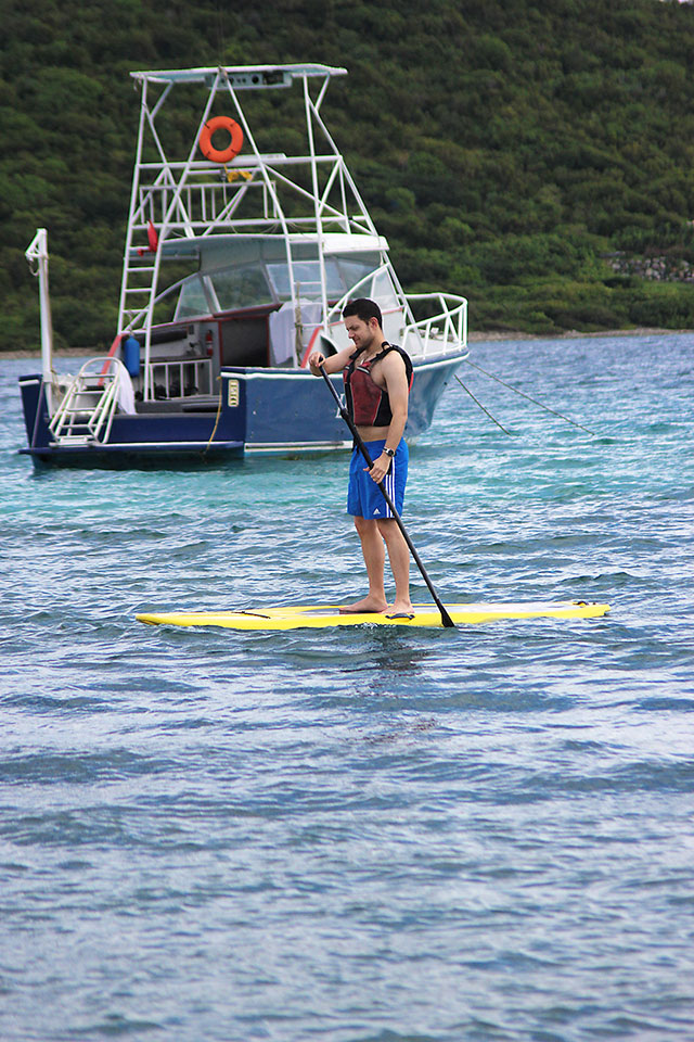 st. thomas ritz carlton babymoon paddleboarding